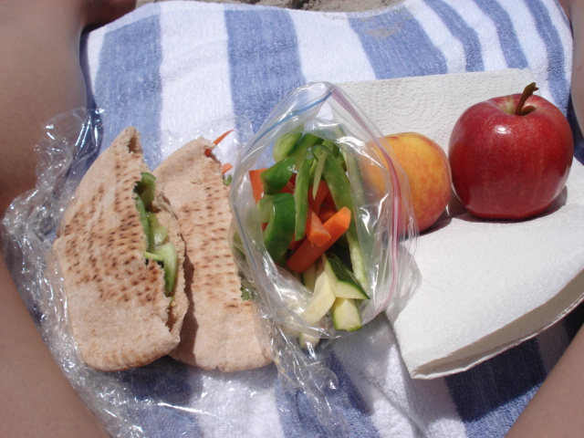 3-beach-lunch.JPG