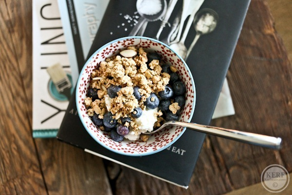 Cottage cheese, blueberries, granola