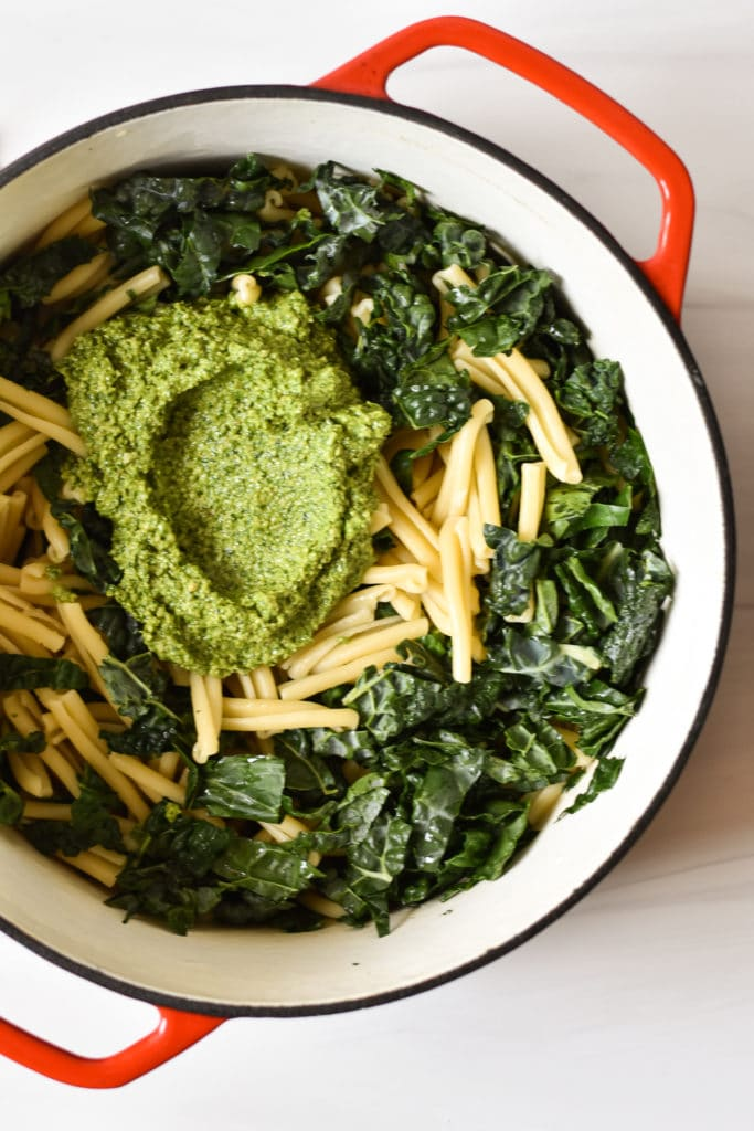 pasta with kale and pesto in dutch oven