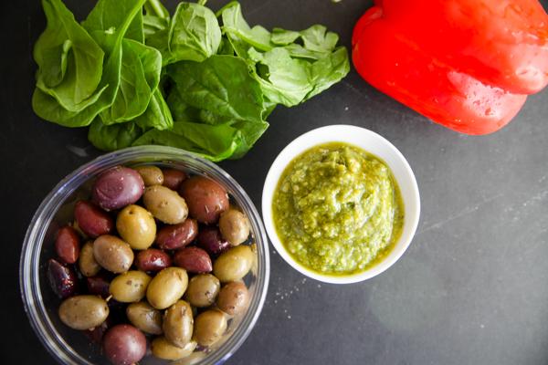 Mediterranean scramble pita pockets