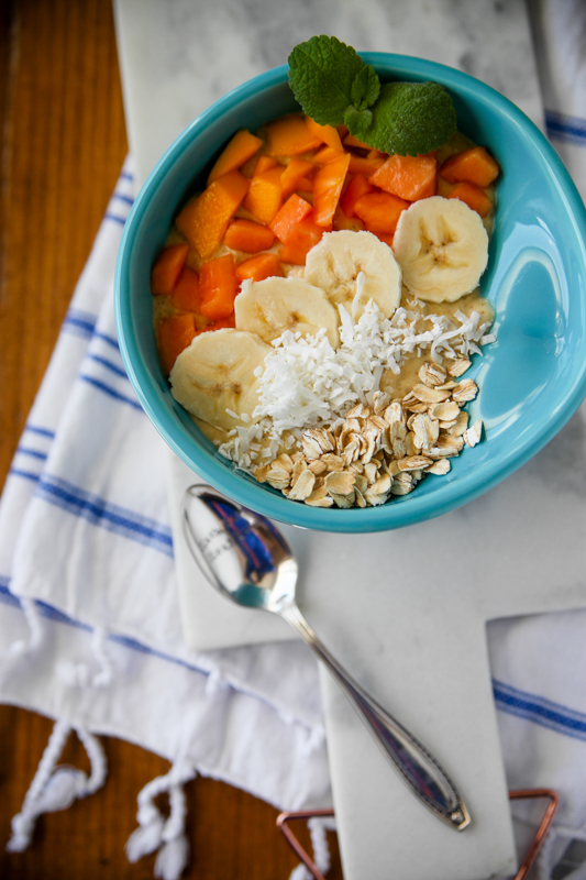 Tropical Oat Smoothie Bowl