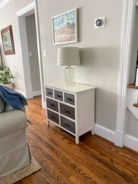 Entry chest of drawers with wood fronts