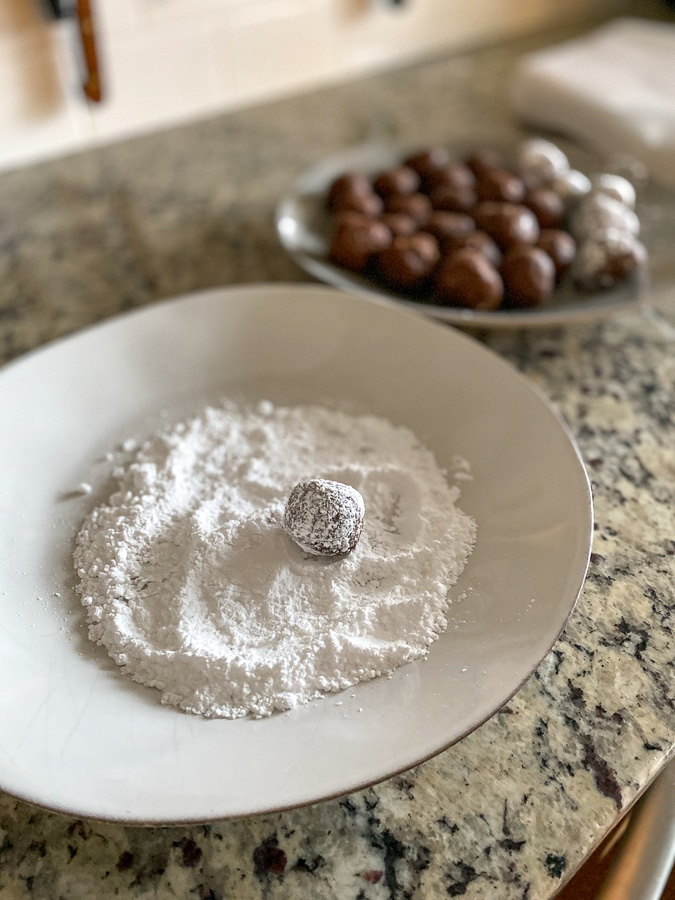 5 ingredient bourbon balls recipe