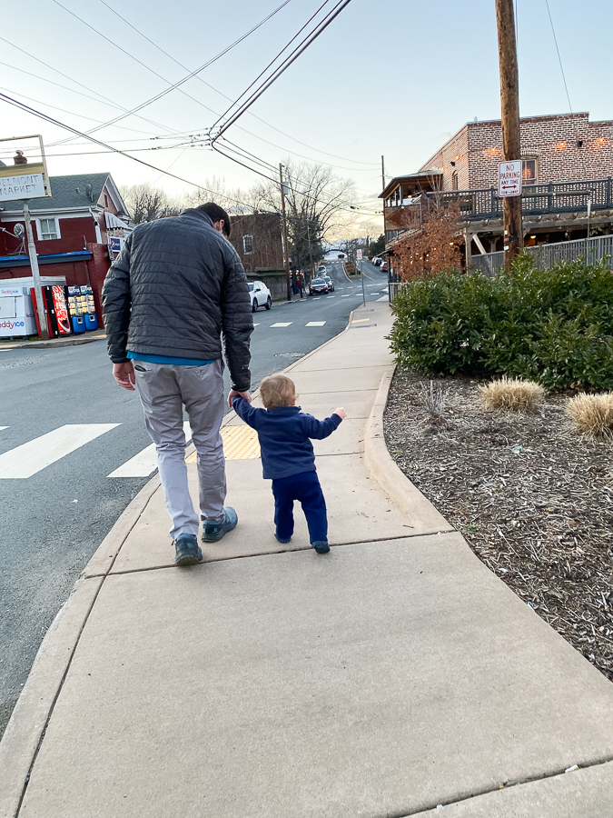 baby and dad in belmont, charlottesville, out to dinner