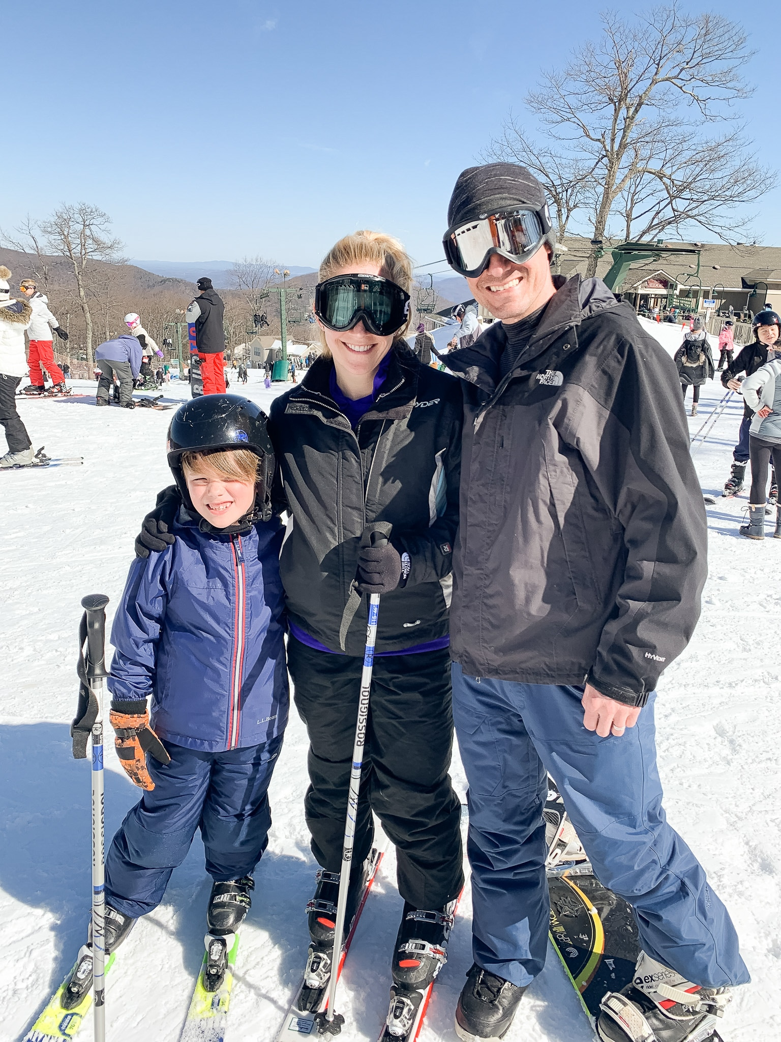 family skiing at Wintergreen resort