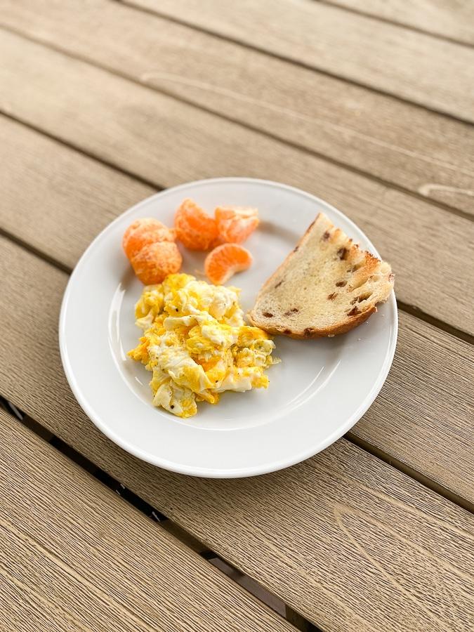 Eggs, toast, orange