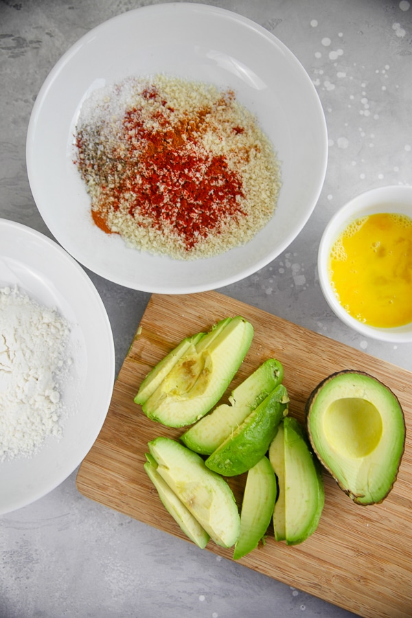 Best Air Fryer - Pour flour, egg, and panko into three separate bowls.