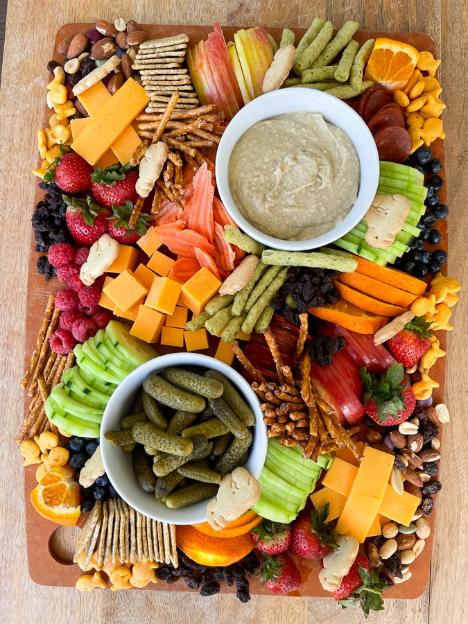 Kids Charcuterie Boardwith animal crackers